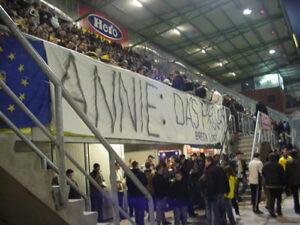 Annie terug (2004)