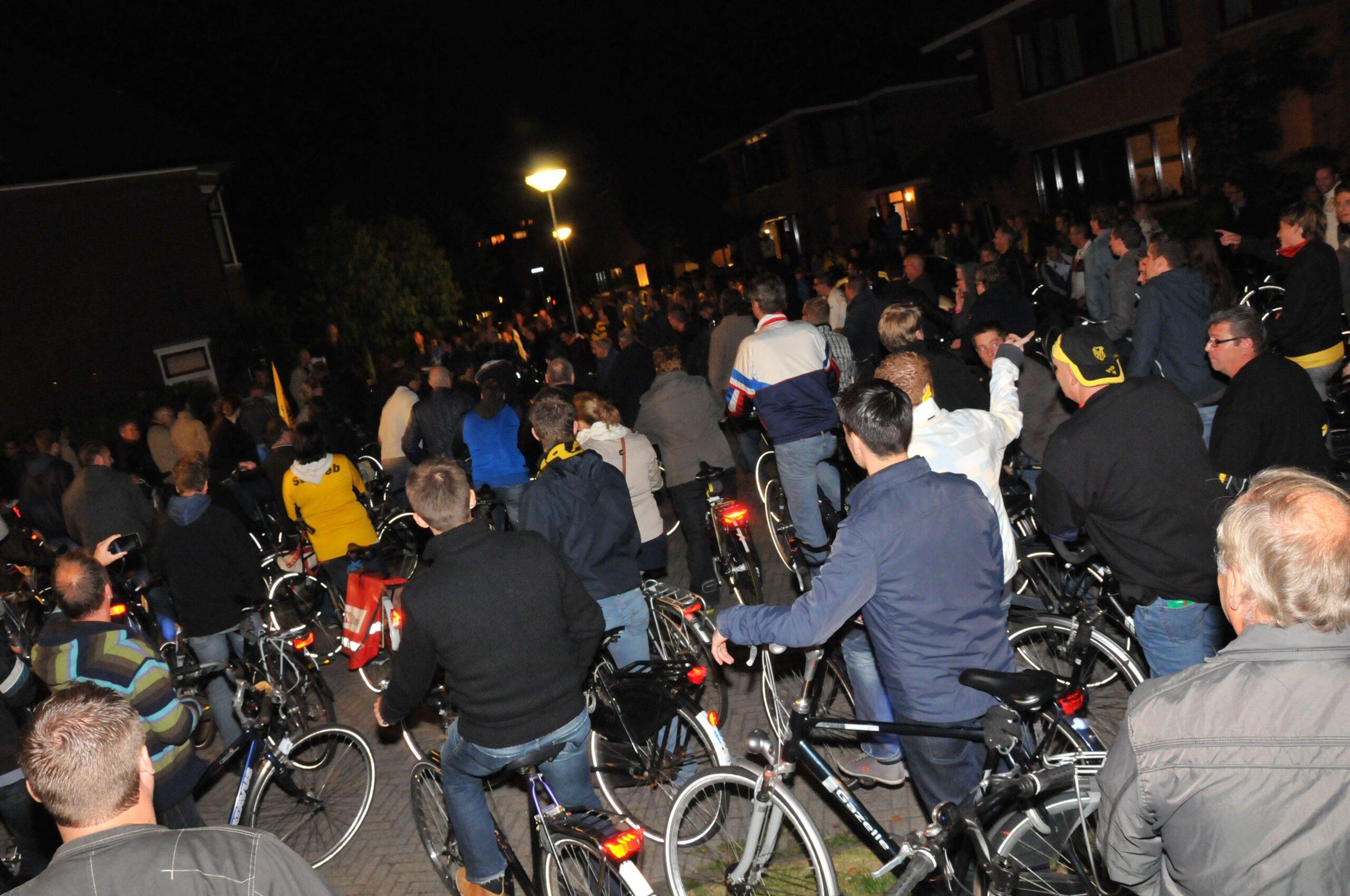 Beatrixstraat 100 jaar NAC fietstocht (2012)