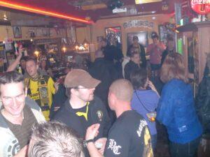 Cafe 't Motje in Volendam) (2012)