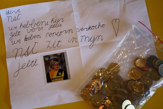 Jelle heeft Popcorn verkocht om geld op te halen voor Red NAC (2011)