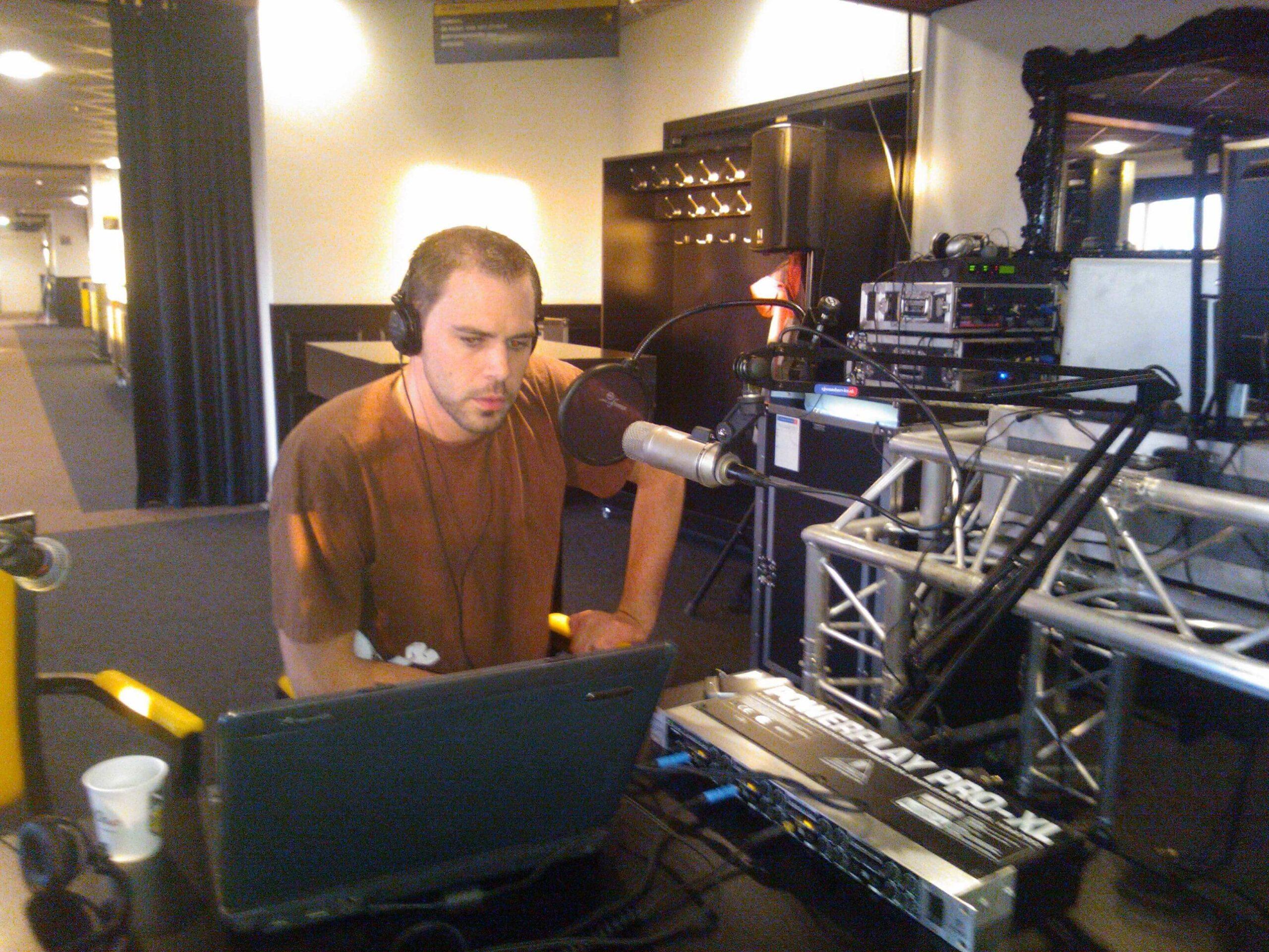 Non stop radio bij 100 jaar NAC (2012)